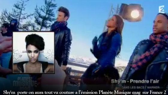 Shy'm  porte veste  on aura tout vu couture a l'émission Planète Musique mag  sur France 2