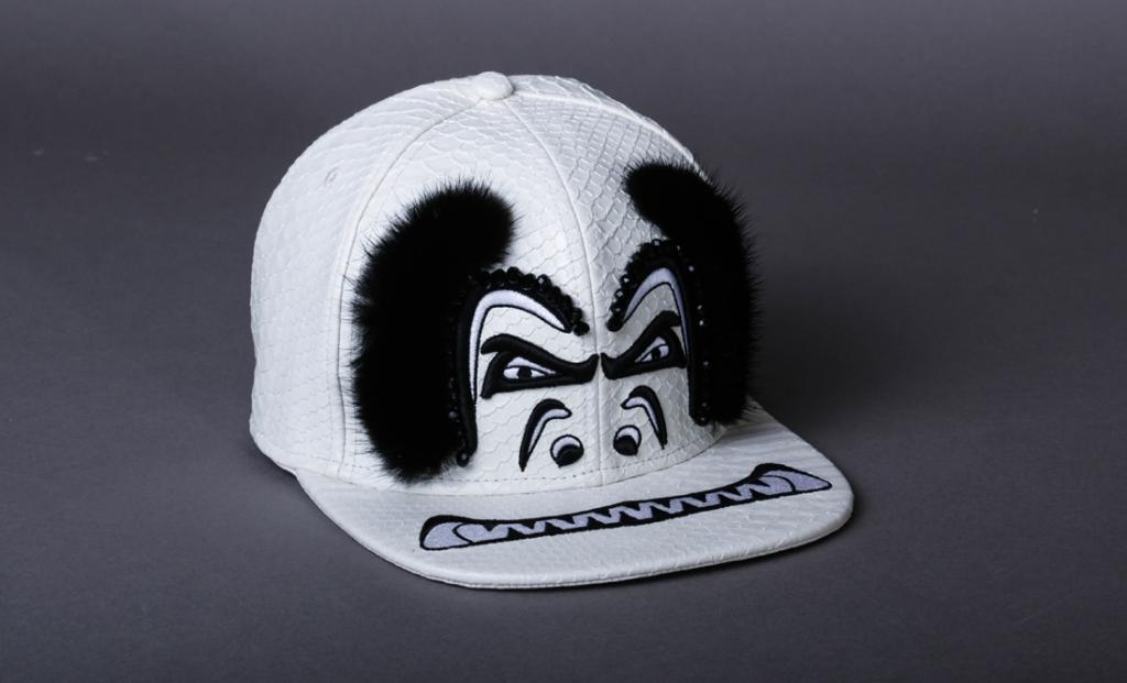 casquette noir et blanc en vison par on aura tout vu accessories