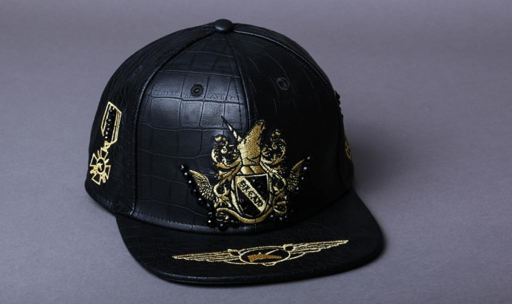 casquette noir et gold par on aura tout vu