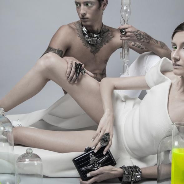 collection accessoires bijous sacs de on aura tout vu modeles homme femme sexy tatoo