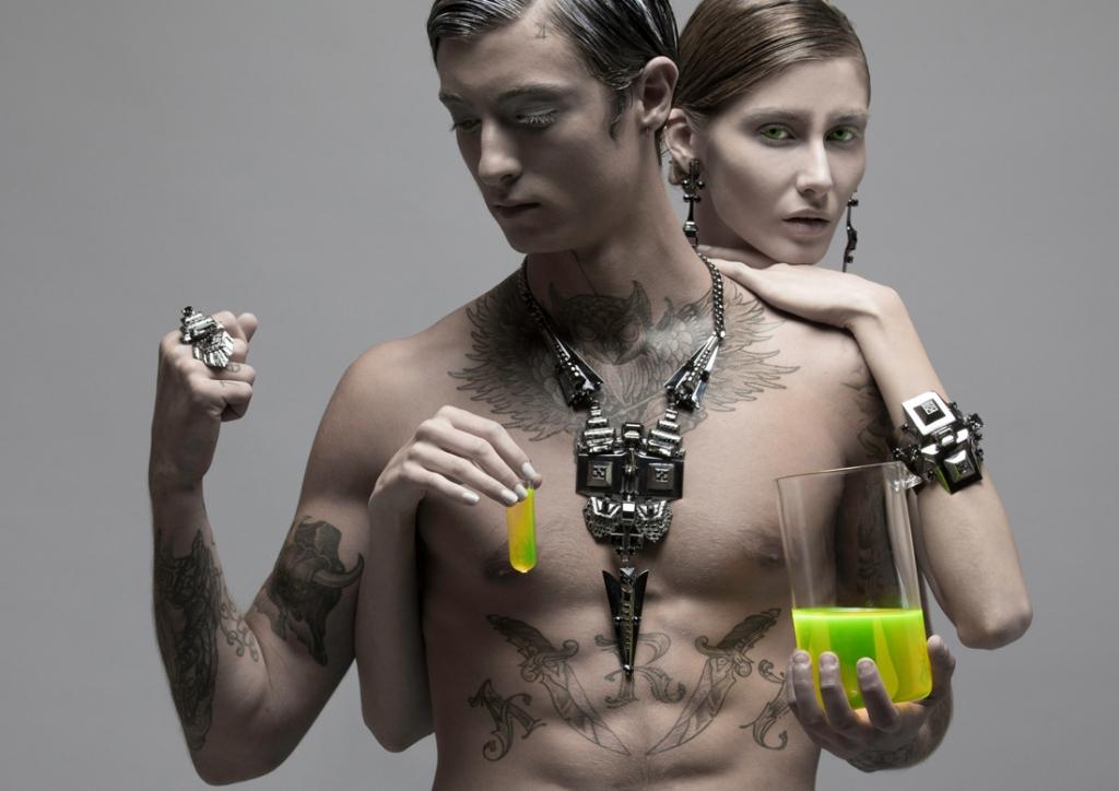 collecm femme assoirs ssxy tatoo nu plaomeetal et crystal